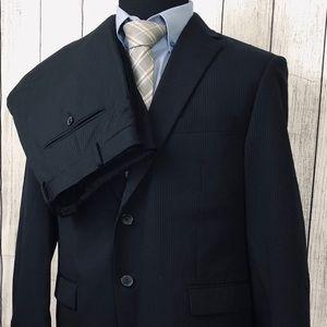 CALVIN KLEIN 42S W34 x L28 Black Pinstripe Suit